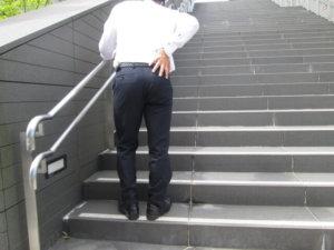 腰痛‐階段昇降